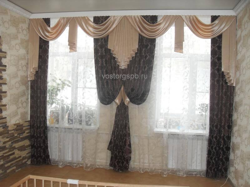 Классические шторы в зал (два окна)